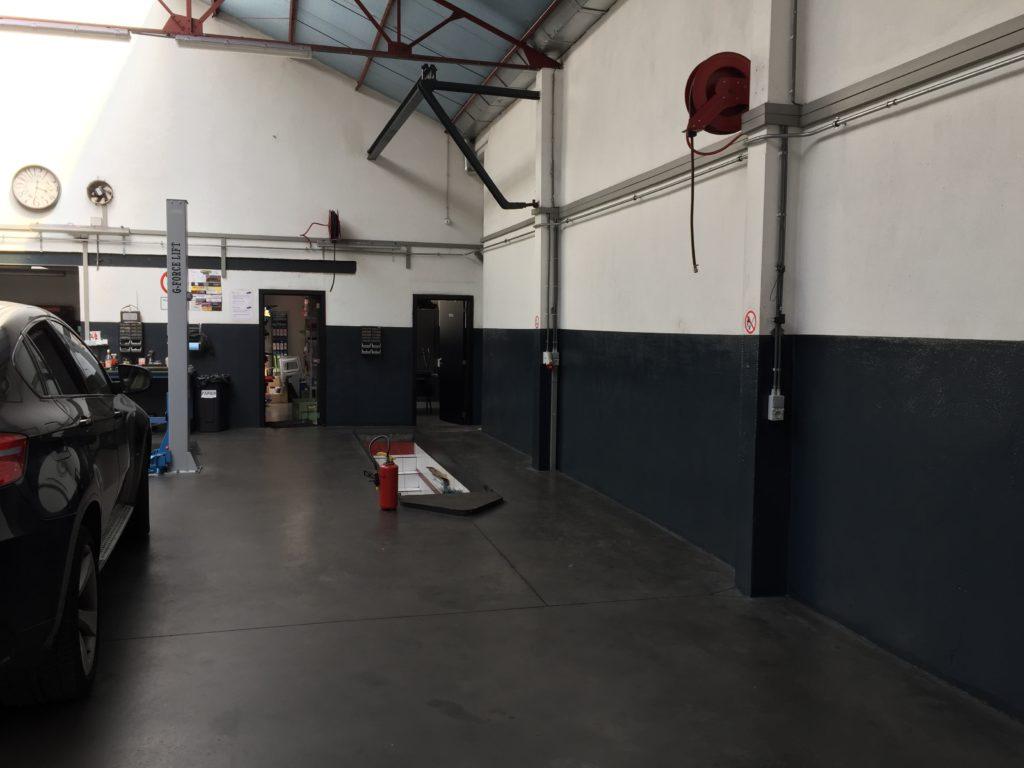 Wandcoating auto garage